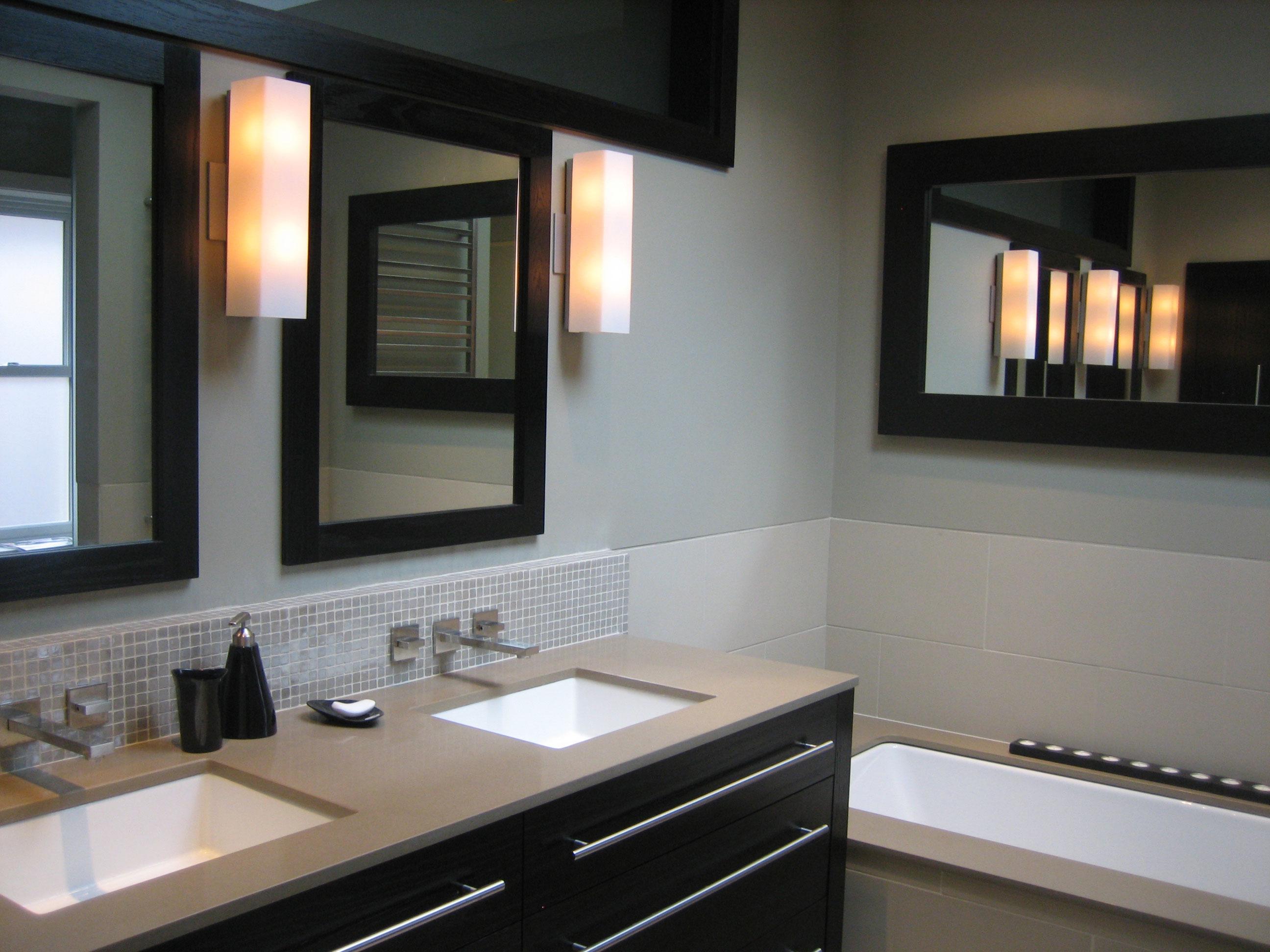 Refaire une petite salle de bain maison design for Refaire sa petite salle de bain